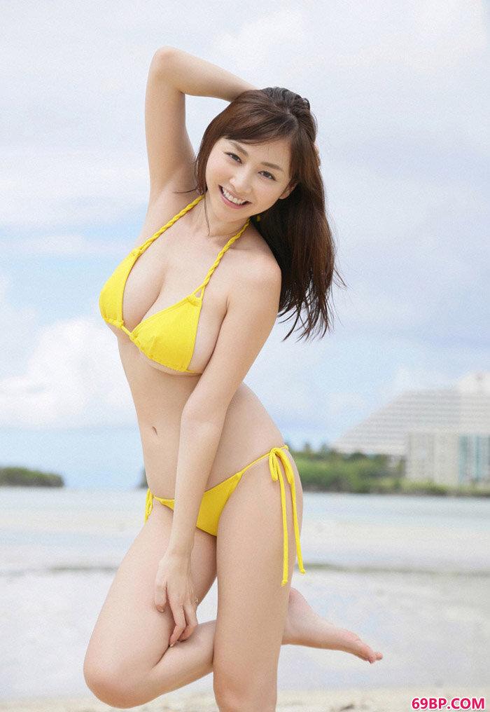 杉原杏璃海边美丽泳装摄影_西西人体中国高清大图