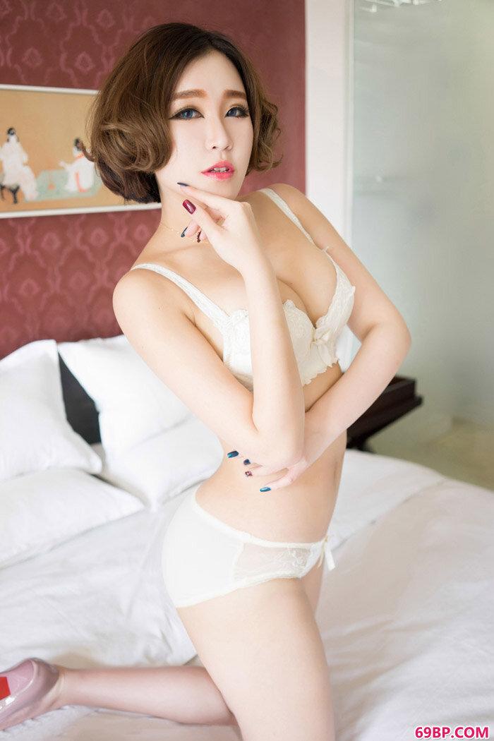 魅妍社赵欢颜Jessica风骚半裸摄影_亚洲厕所偷拍正面撒尿