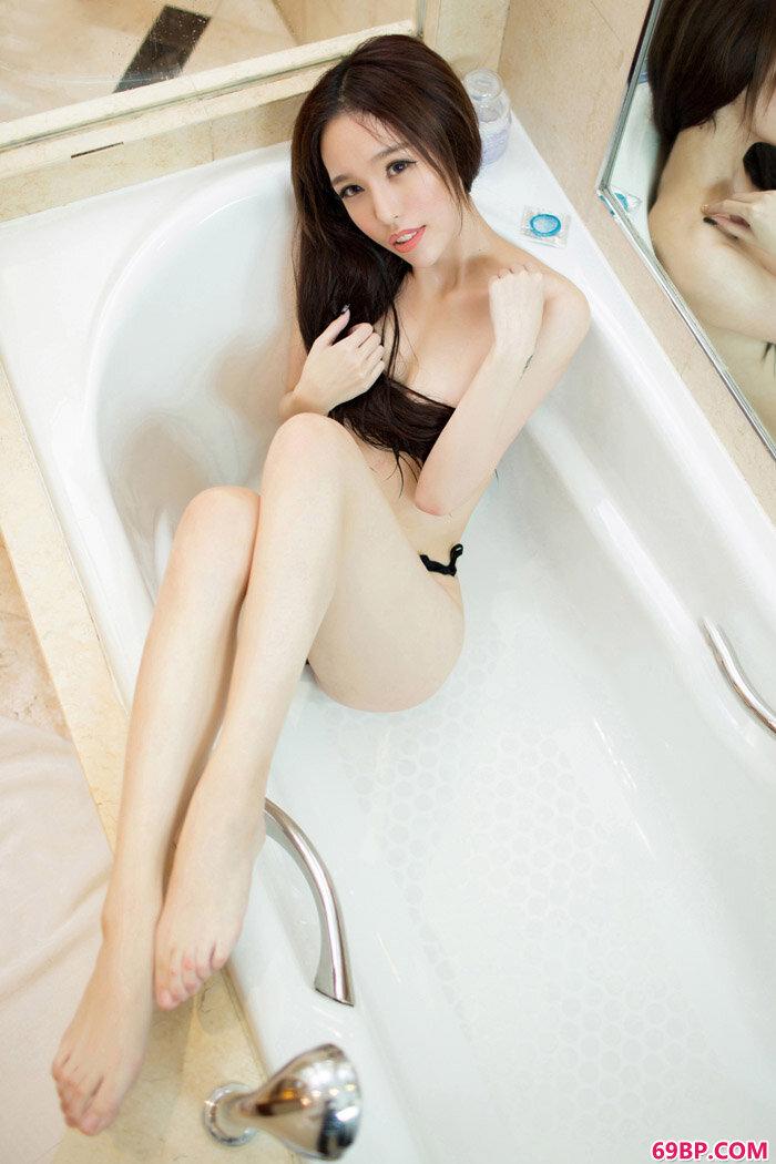 TT御姐若熙紧身露乳开档连体黑丝_gogo人体大胆夏馨雨