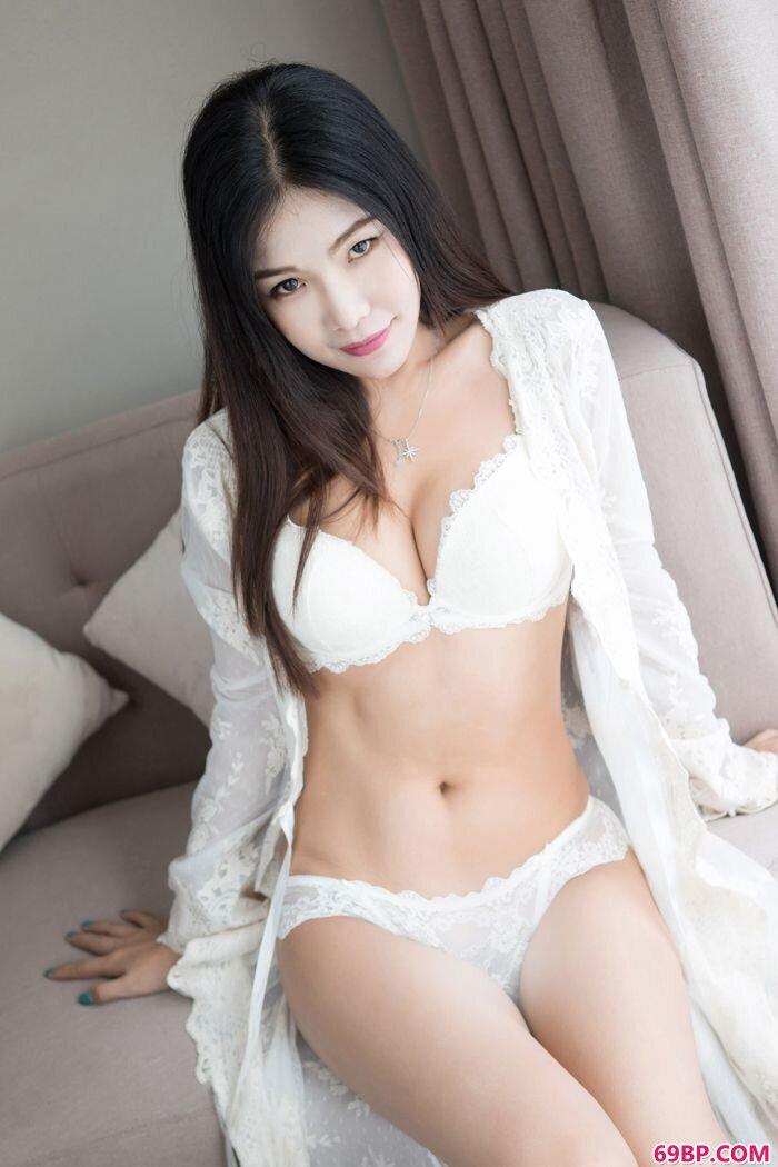 巨臀淑女丁筱南开档情趣内裤很迷人_汤芳二0O7年人体展示
