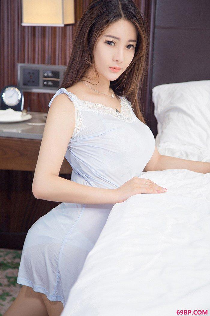 尤物刘天天丰乳肥臀尽显冰肌玉骨_国模燕子宾馆大胆私拍