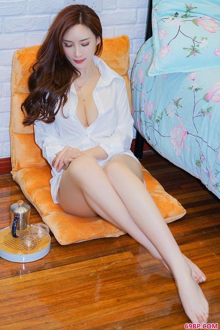 美丽女神周妍希黑丝开裆美腿勾人_60岁女人宾馆全程露脸