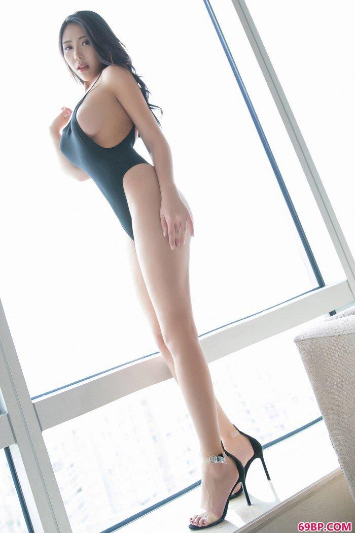 豪乳美人安可儿肌肤甜美美腿风骚修长_gogo人体左熙