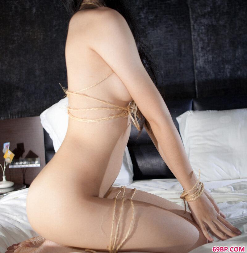美腿裸模第421期Rose_老女子厕所毛茸茸撒尿