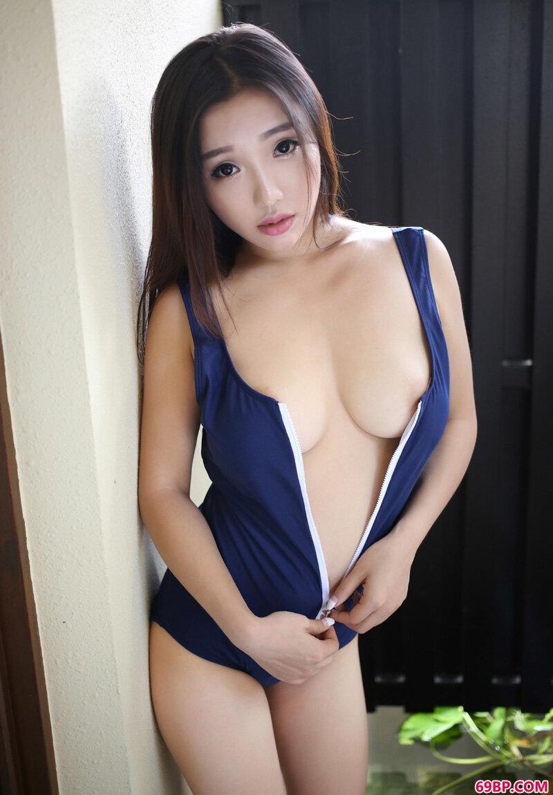 丰腴圆臀靓妹天使面容魔鬼身材_GOGO国模沟沟