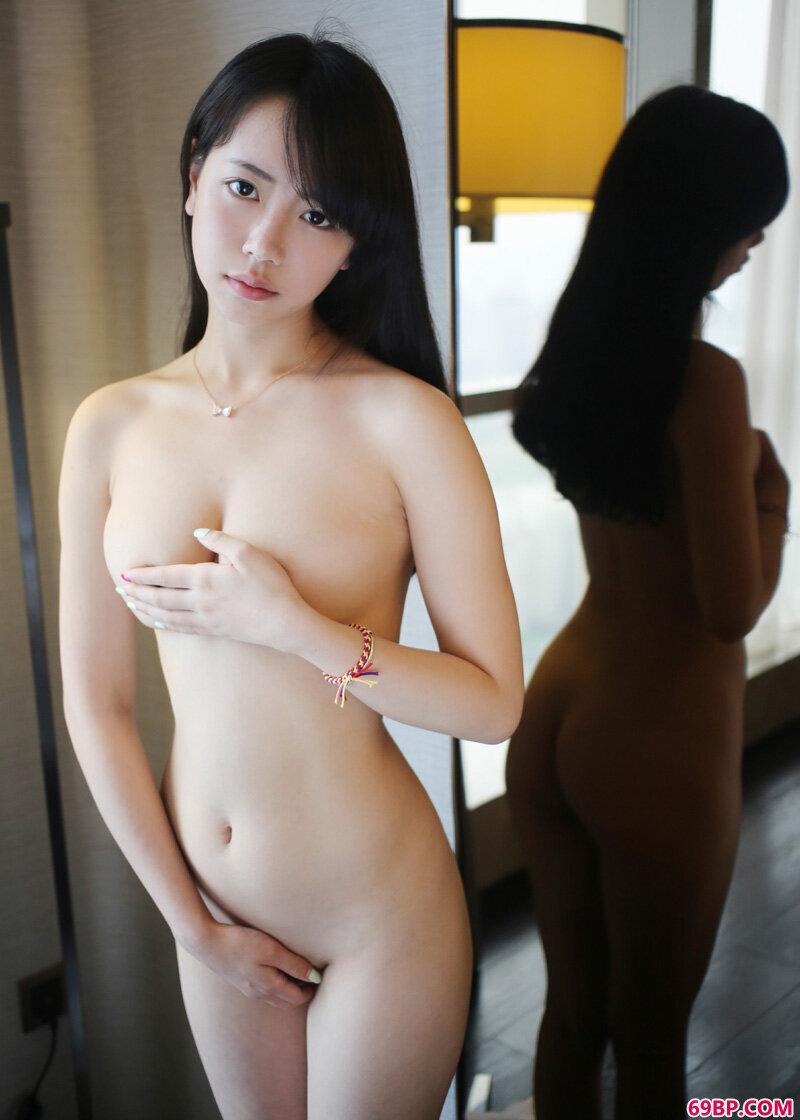 魅惑妹子徐小宝绝色诱惑摄影_西西人体欧美高清人体