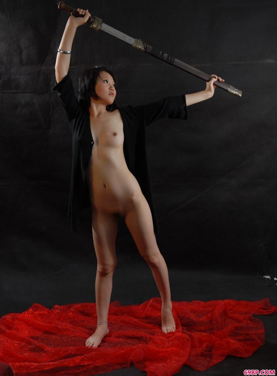 美人梦梦图片棚里的性感黑丝剑法1