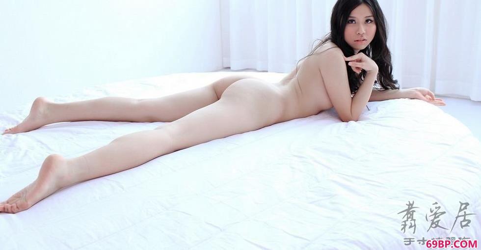 凯竹_美模任雪床上清纯人体