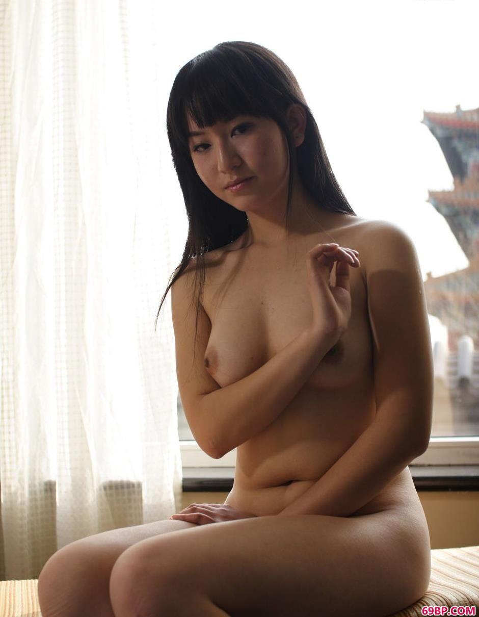杨芳与朋友在室内的古典人体2