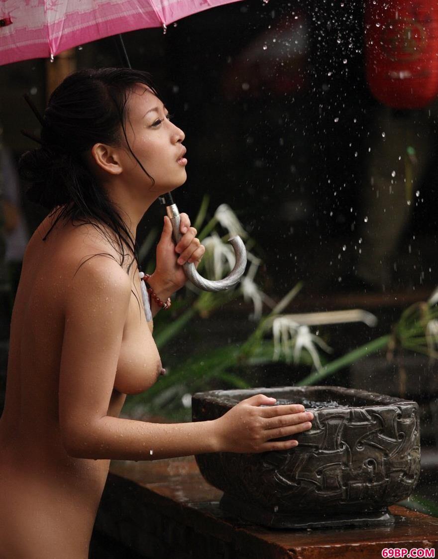 雨中的玫瑰裸模优璇4