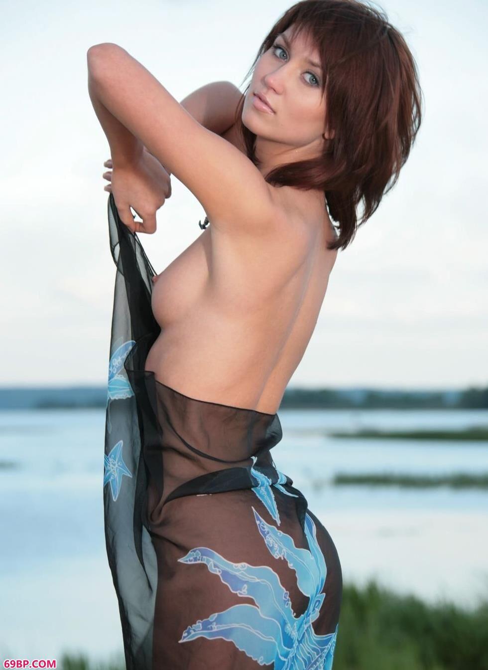 海边的可人美模Katrin人体艺术