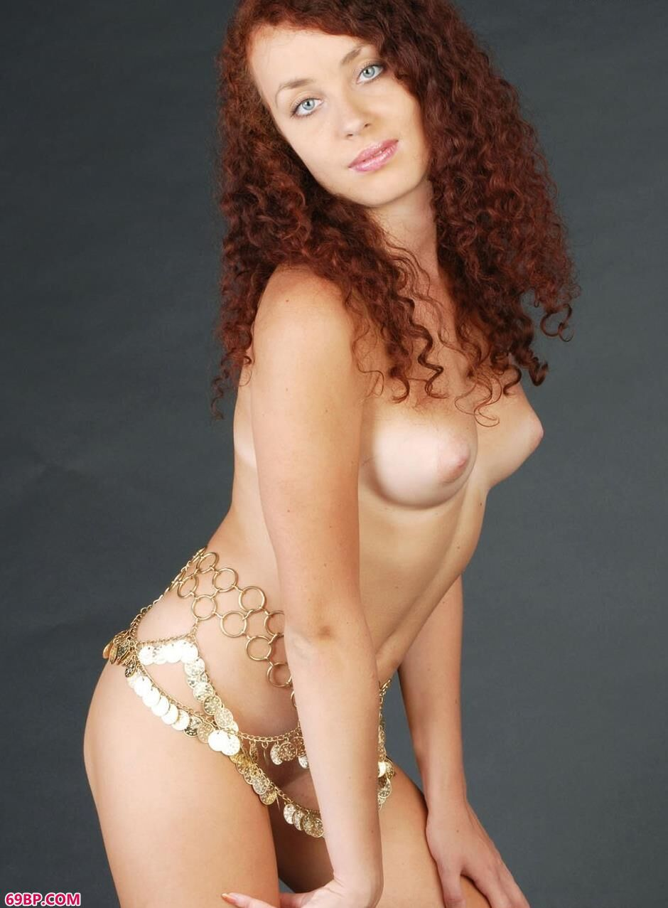 裸模Lesley魅惑的金腰链,gogo模特人体照