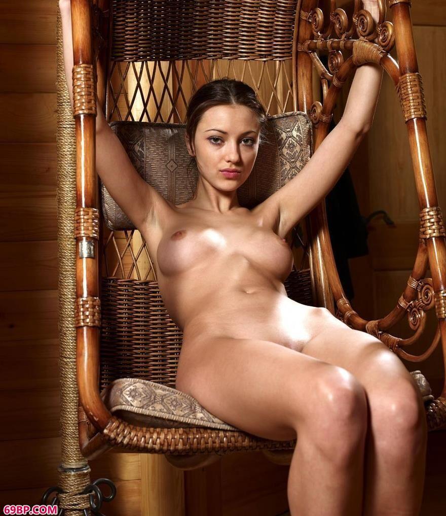 外国靓妹人体艺术写照1_大乳的熟妇