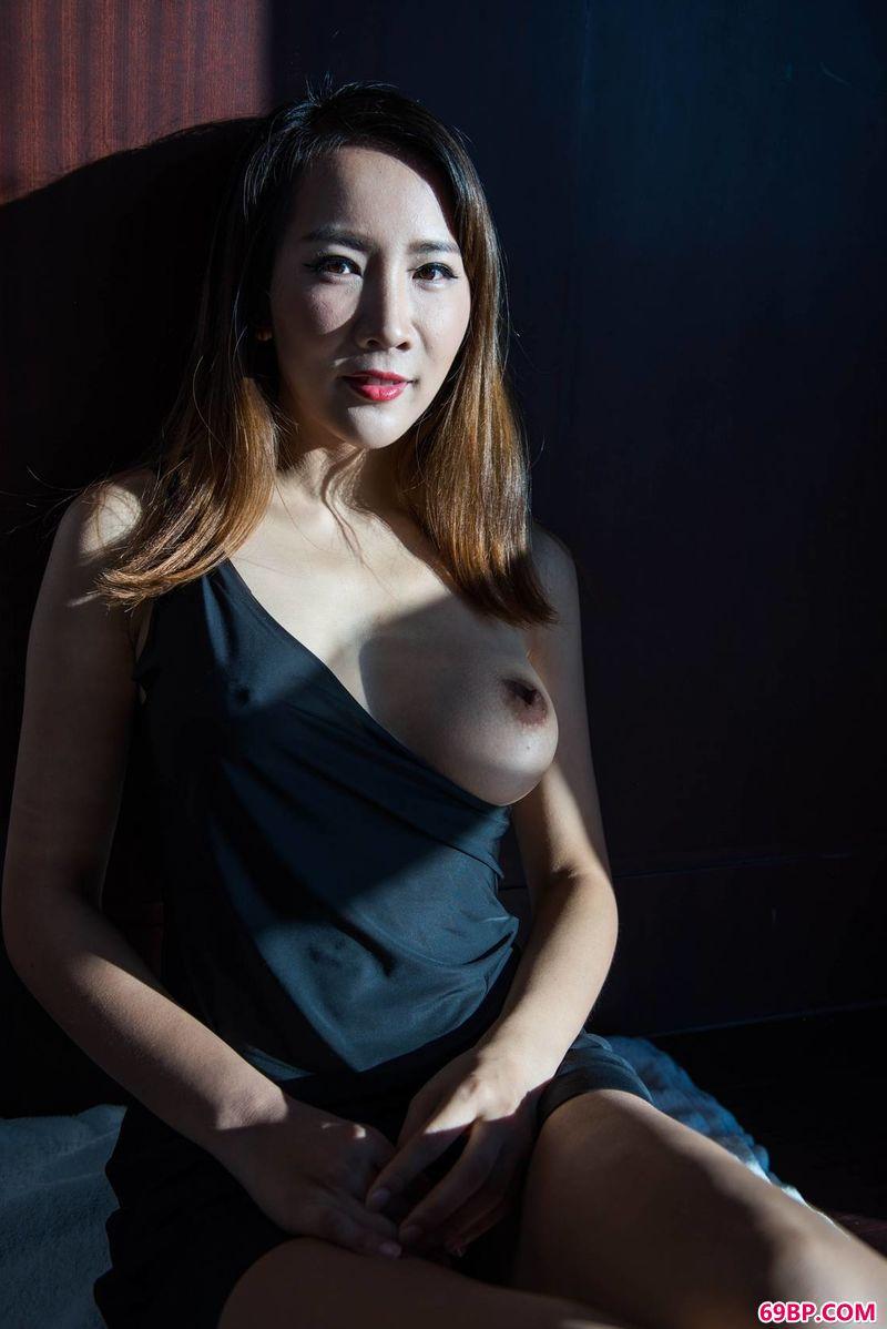 绝美艺术感的光影裸模晴儿_337p人体粉嫩胞高清视频