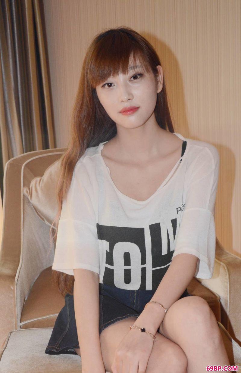 齐刘海女生顾欣欣